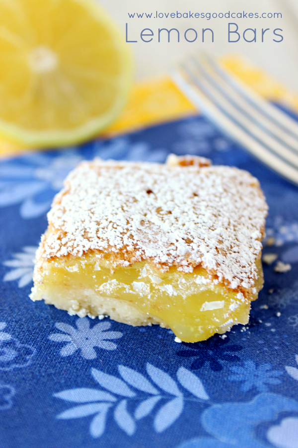 The best LEMON BARS ever - with their buttery crust and yummy lemony filling, they're sure to become a family favorite! #lemon #Spring #dessert