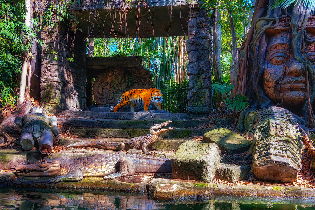 Tiger and the Ruins