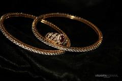 chain(0.0), silver(0.0), jewellery(1.0), bangle(1.0), diamond(1.0), circle(1.0),