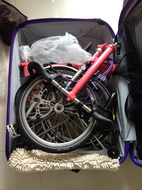 Brompton in Lojel luggage