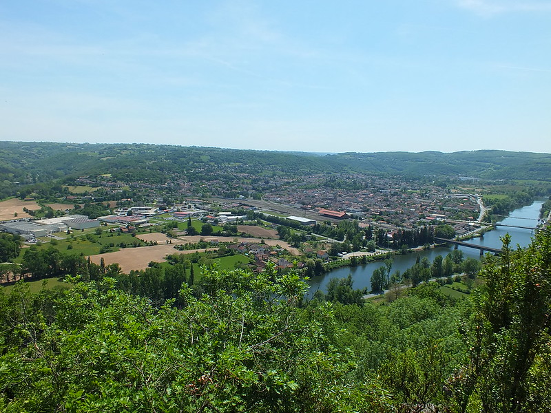 [055-018] Capdenac - Point de vue du Calvaire (Les Carniers et les Courons)