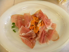 meal(1.0), sashimi(1.0), meat(1.0), salt-cured meat(1.0), ham(1.0), prosciutto(1.0), food(1.0), dish(1.0), cuisine(1.0), cooking(1.0), smoked salmon(1.0),