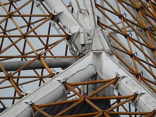 Imagen de Arts Centre Melbourne. geometric architecture pipes angles melbourne beams lattice joins artscentre flexible