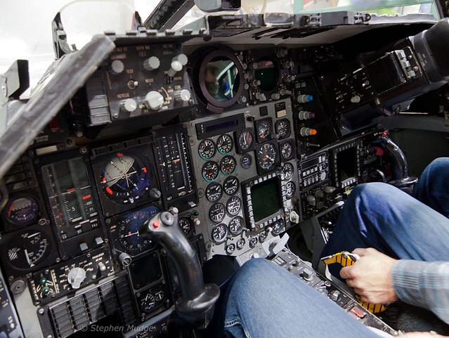 Cockpit F-111