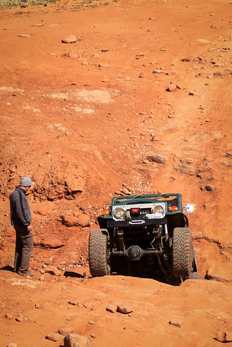 FJ 40 Working an obstacle on Kane Creek