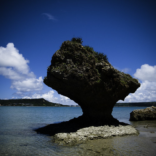 Coral Rock, Cloudy Clouds, Hamahiga (浜比嘉) Okinawa