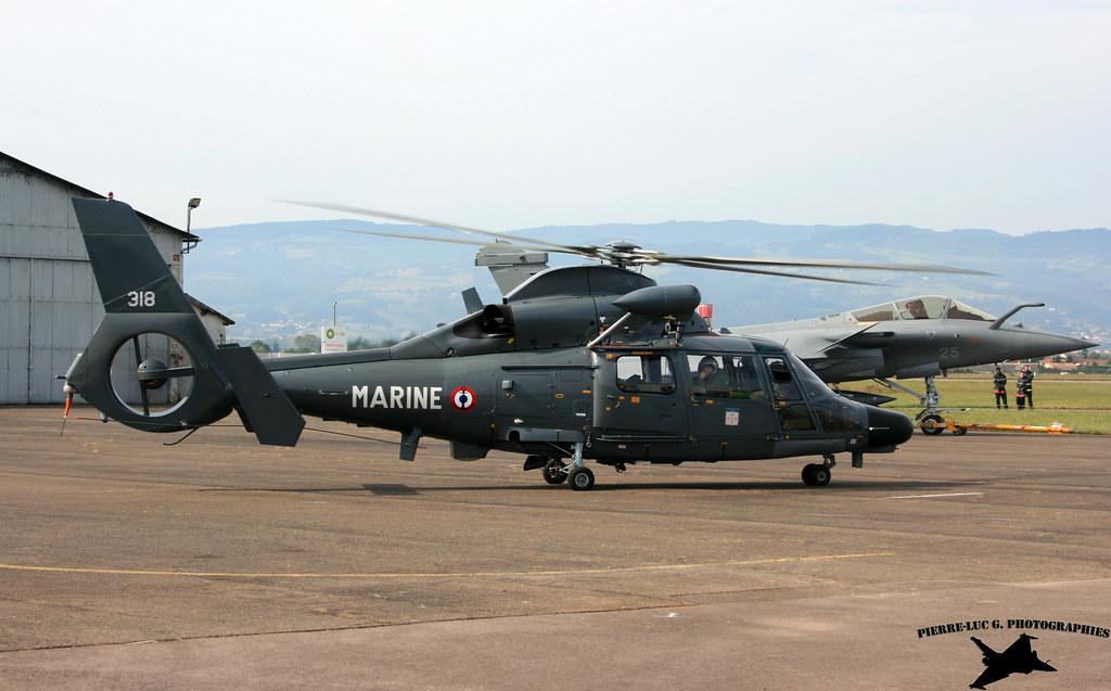 Eurocopter SA365F Dauphin 9731252644_de4115ab99_b