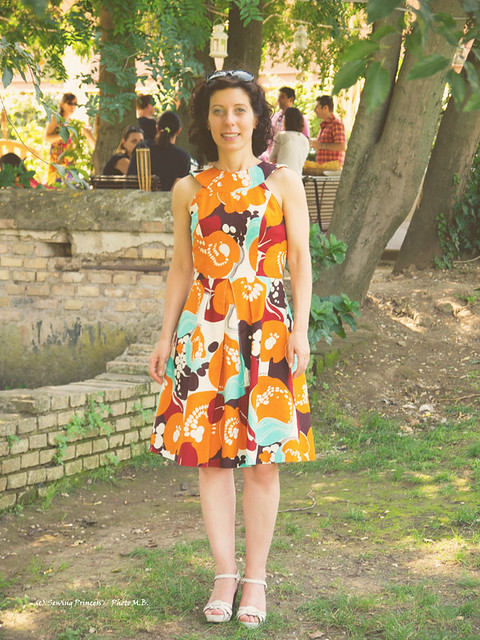 Simplicity 2588 with Vintage Fabric