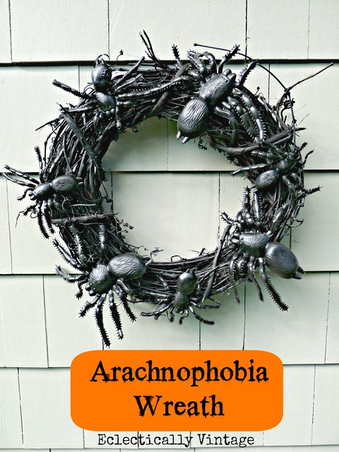 spider wreath, halloween decorations, scary crafts