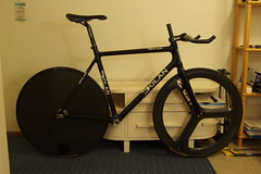 road bicycle, wheel, vehicle, room, sports equipment, bicycle frame, bicycle,