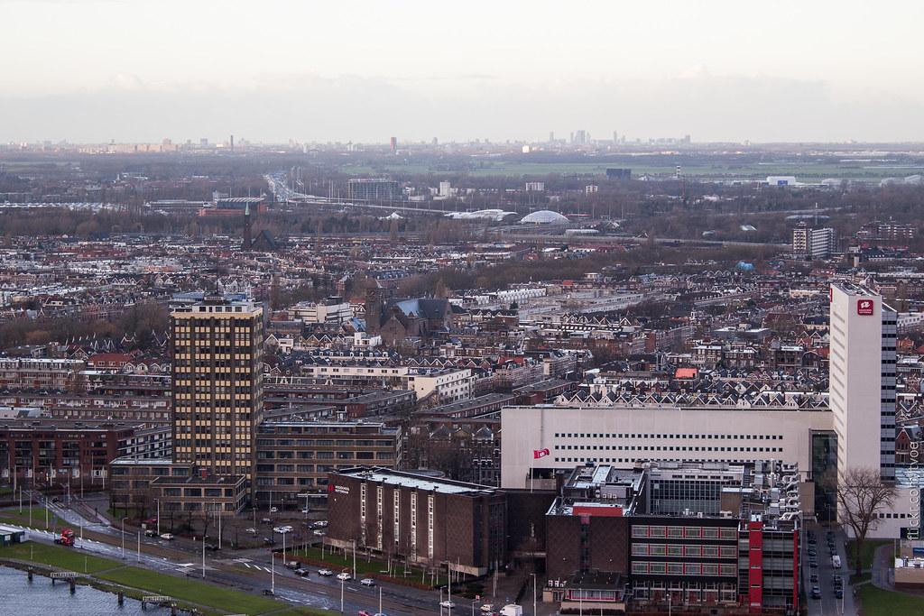Вид на Роттердам и Гаагу