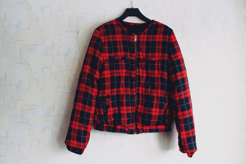 Newest addition to my closet is a tartan bomber jacket from Persunmall. It cost a little over 30 dollars and in this post you can find a little review of it