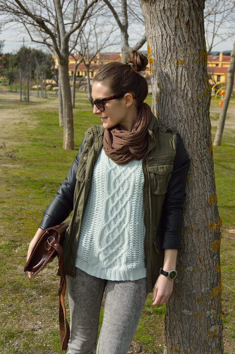 lara-vazquez-madlula-blog-fashion-mint-sweater-brown-details