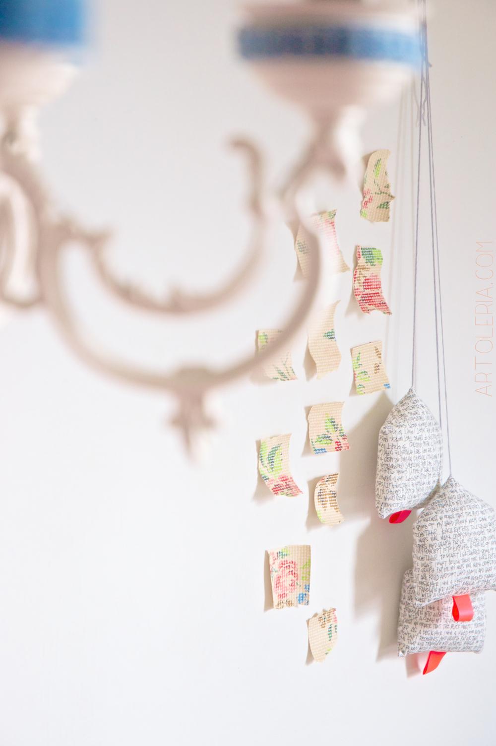 decorazione da muro e lampada in denim Artoleria.com
