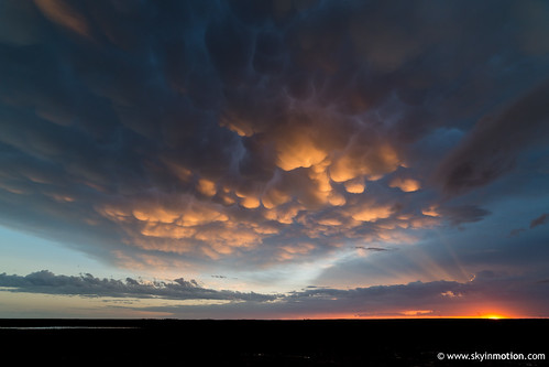 sunset usa cloud storm unitedstates may chase kansas thunderstorm plains liberal chasing stormchasing mammatus 2015