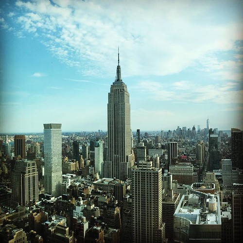#HappyFriday, #NewYork.. The #weekend is here.. take time to #recharge and get some #metime..#youarelmportanttoo #empirestatebuilding #lookingtowardsdowntown #sunnyaummerday #manhattan
