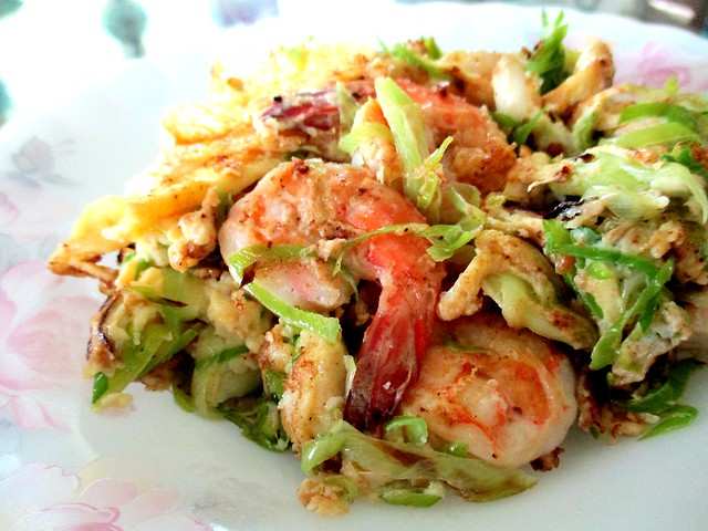 Fried leek with prawns and egg
