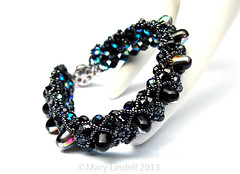Gumdrop Bead Bracelet in Black