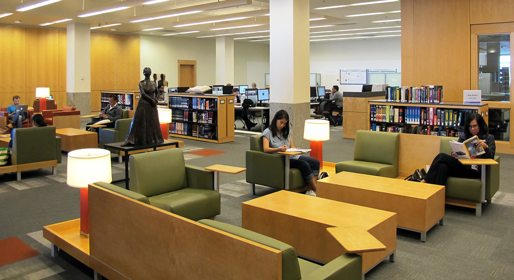 Living Room | Photo by Erin Hayes, UCSF Library © UC Regents… | UCSF