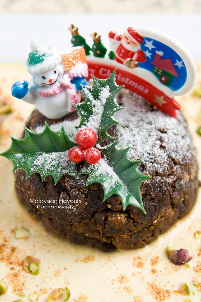 christmas-pudding-vanilla-sauce