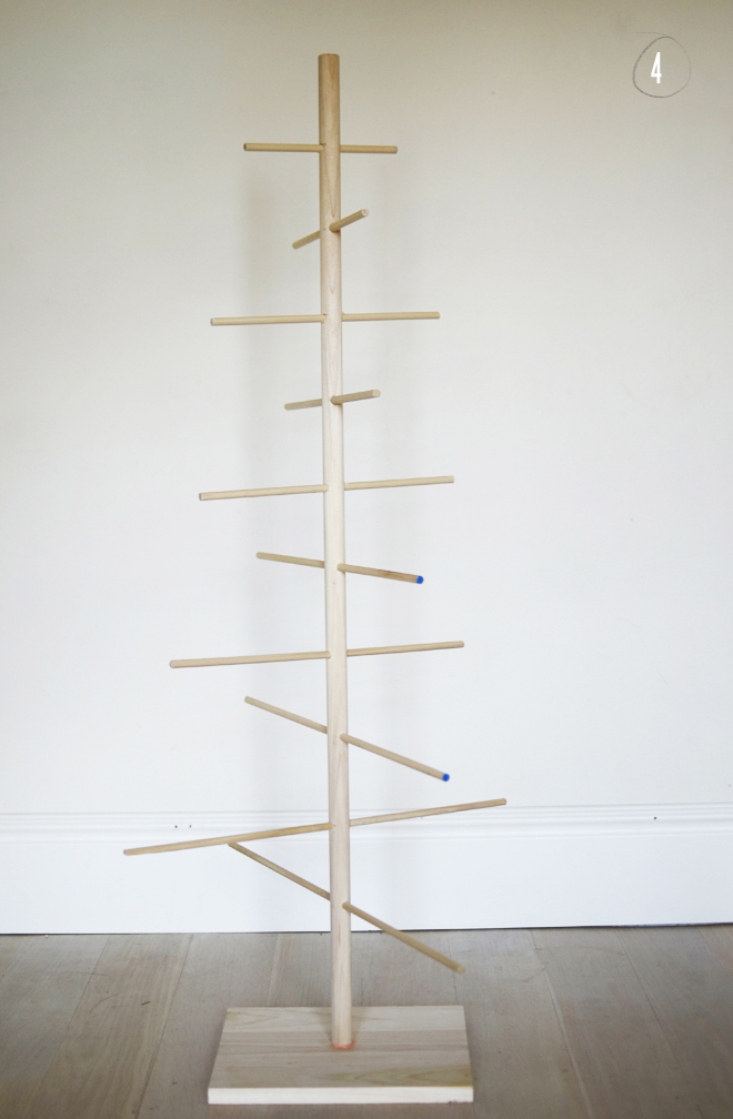 Diy  Simple Dowel Christmas Tree