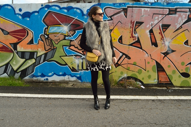 lara-vazquez-madlula-style-chic-details-fashionblog-yellow-touch