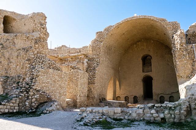 Entrance of the Palace of Ardashir, Iran アルダシール宮殿外観