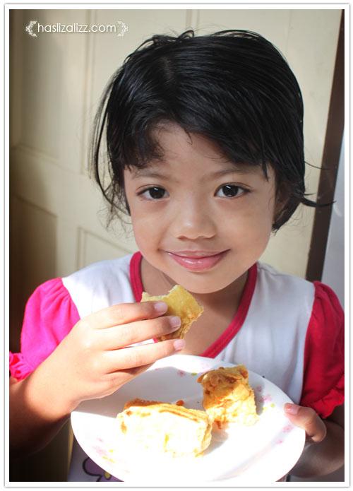 12439215504 c1e7ef80b9 o roti sardin gulung goreng untuk adik |  resepi roti Gulung Sardin