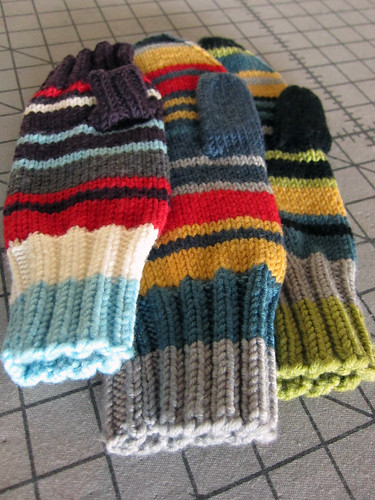 5-colourstripedmittens2