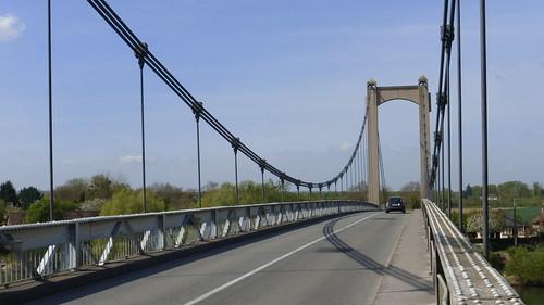 333 Le pont suspendu des Andelys