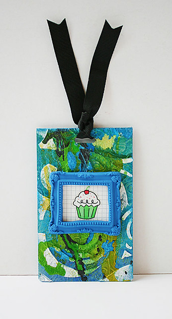 Cupcake-mixed-media-tag