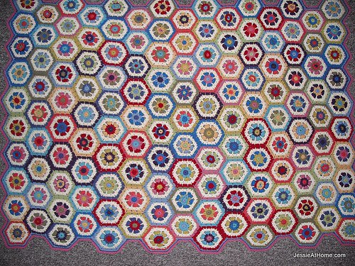 Flower-to-hexagon-crochet-blanket