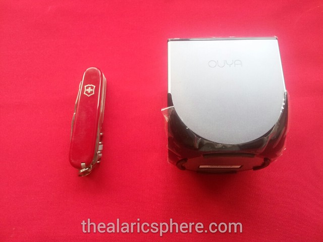 Ouya-Unboxing-Size-Comparison-Swiss-Knife