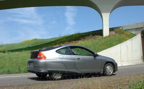 Форсированный электромобиль GM EV2 проезжает 650 км на одном заряде