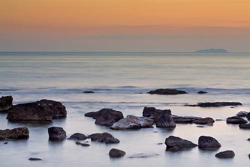 pietre sul mare