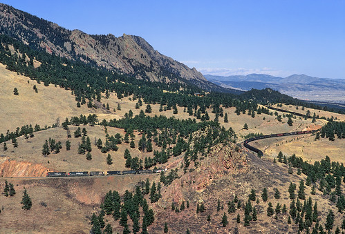 railroad trees mountains up train colorado curves sp co unionpacific ge frontrange plain flatirons southernpacific plainview tunnel1 coaltrain ac4400cw unittrain up'smoffattunnelsubdivision