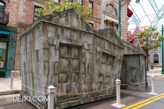 HHN3 Before Dark 1 - Attack of the Vampires crypts
