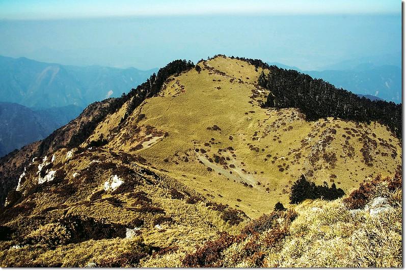 干卓萬山前山頭(3236峰) 3