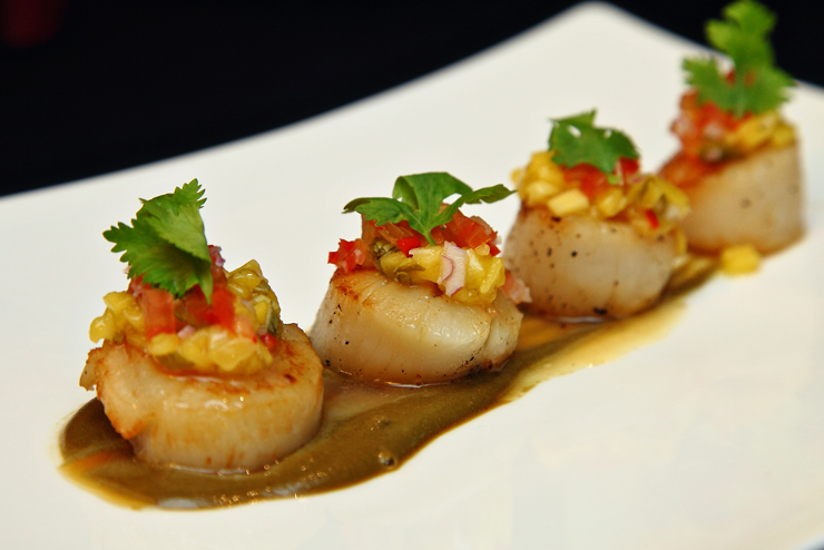 Seared-Scallop-with-Mango-Salsa-and-Wasabi-Sauce