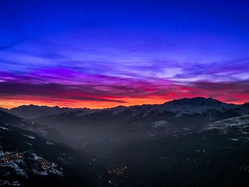 pink blue sunset orange mountain ski france color station rose fog jaune montagne alpes de dawn soleil haze village coucher violet bleu valley skying brouillard brume chaine vallée brumeux montagneuse