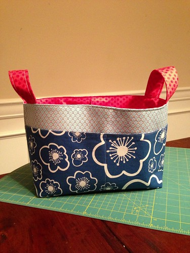 Divided Basket pattern by Noodlehead