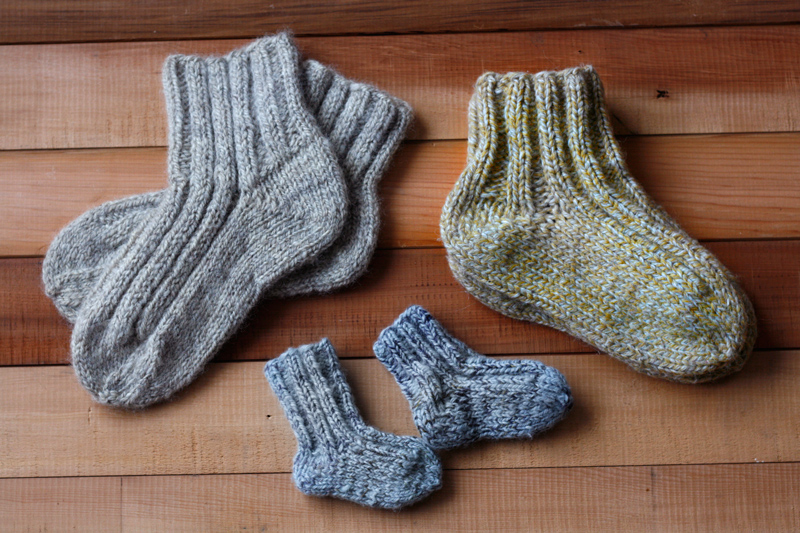 knitting, pattern, DIY, tutorial, knit, slipper-socks, socks, slippers