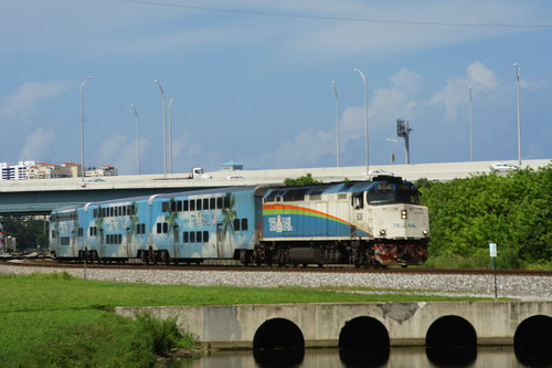 TRI RAIL P681 AT WEST PALM BEACH, FL