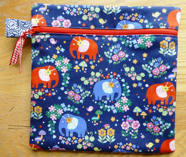 Fabric Yard Shop sample - zippy pouch