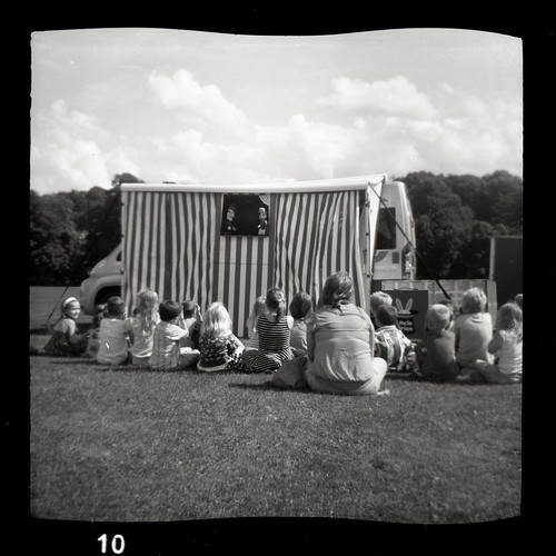 Punch & Judy by pho-Tony