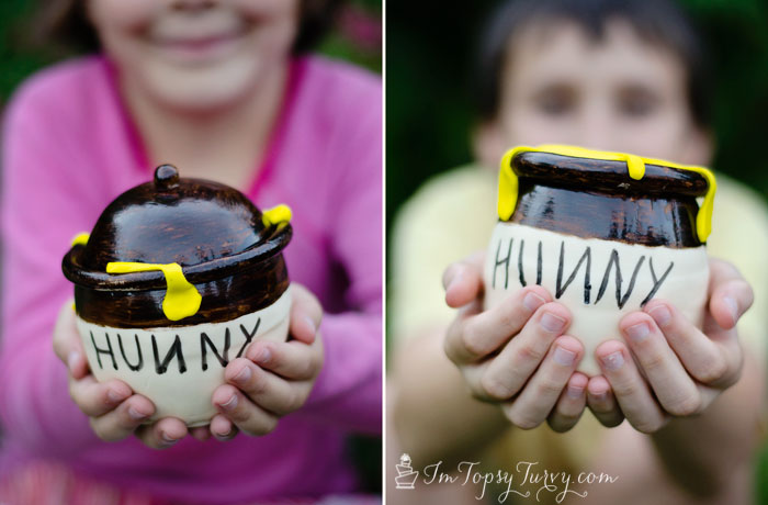mini-hunny-honey-pot-fondant-cakes