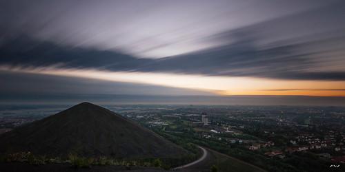 longexposure sun mountain sunrise soleil mine sigma le dri nord leverdesoleil terril sigma1020 poselongue loosengohelle