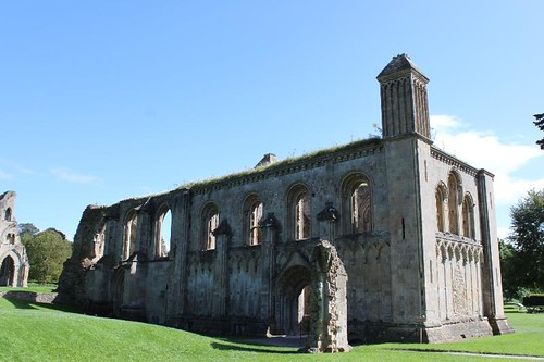 20120830_6447_Glastonbury-abbey_Small