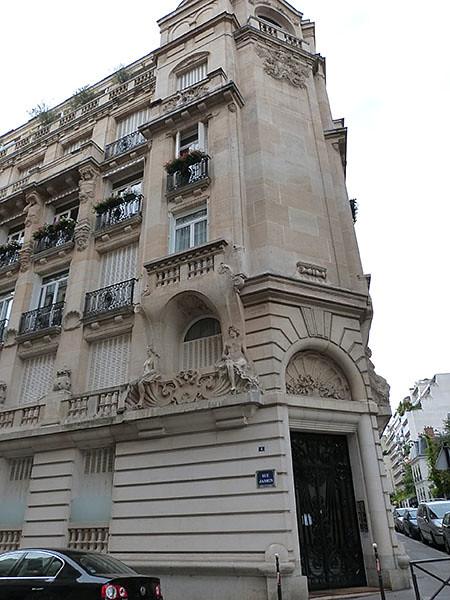 bel immeuble rue de l'yvette