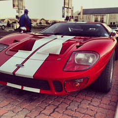 race car, automobile, vehicle, performance car, automotive design, ford gt40, ford gt, ford, land vehicle, luxury vehicle, supercar, sports car,